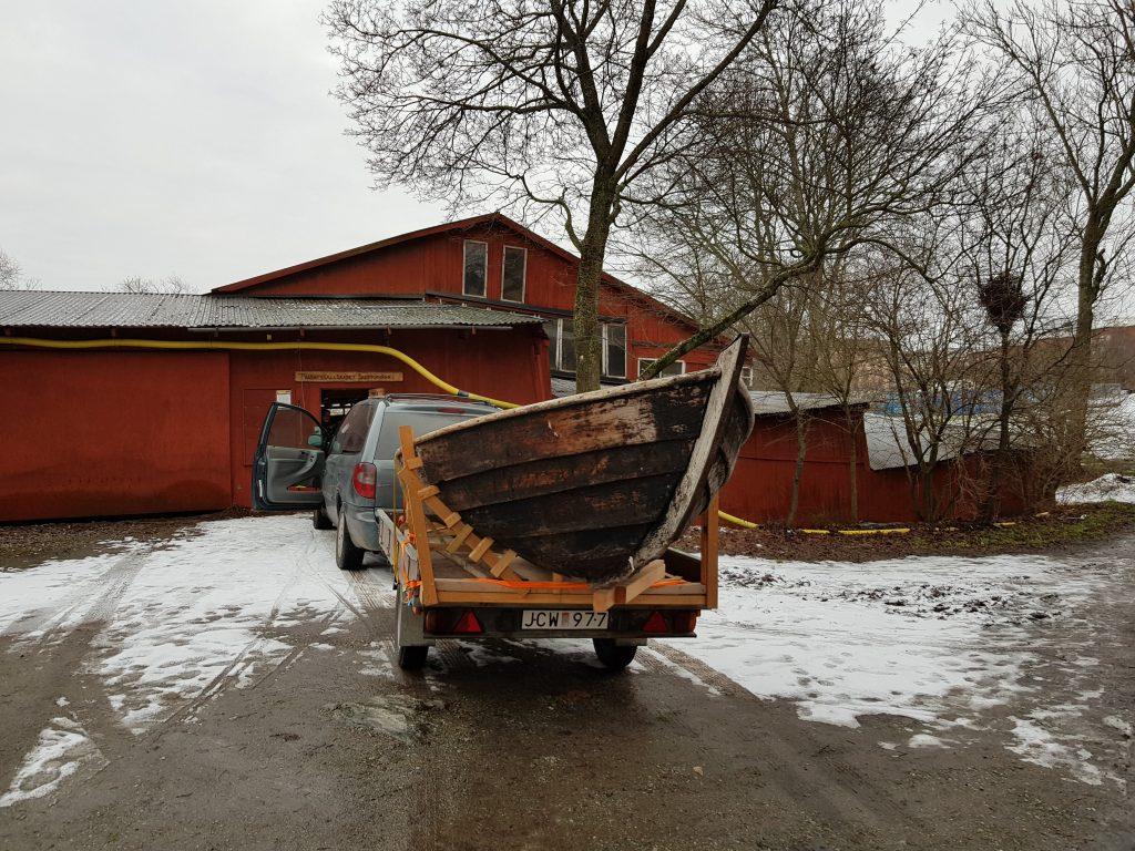 Lillsvea transporterad till Gröndalsvarvet